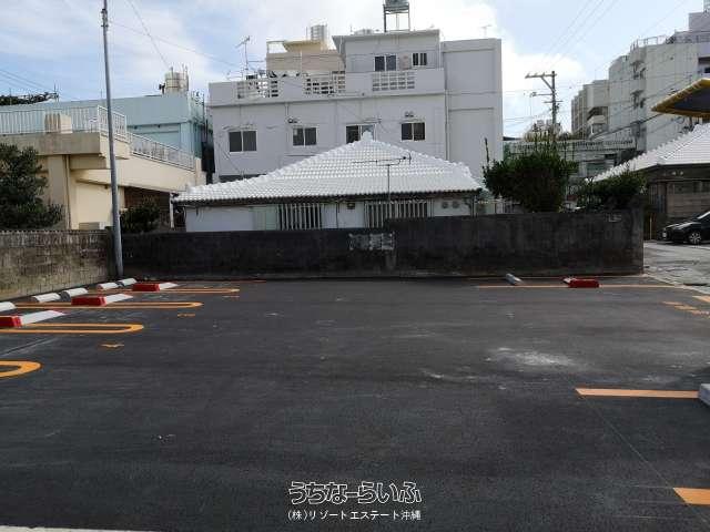 駐車場・沖縄市上地